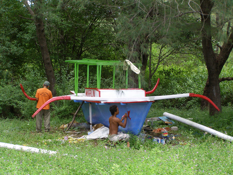 Gili Meno, csónakfelújítás