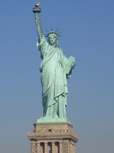 http://chem403fall2007kenick.pbworks.com/f/Statue-de-la-liberte-new-york.jpg