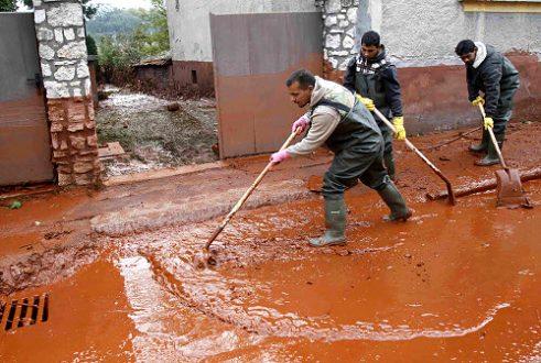 Vörösiszap takarítás
